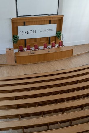 STU vstupuje do protestu, vyhlásil akademický senát