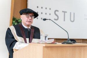 STU udelila čestný doktorát profesorovi Massimovi Morbidellimu (Laudatio)
