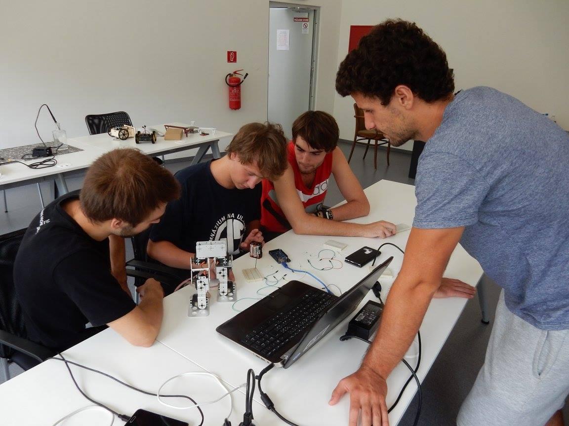 Letná akadémia robotiky