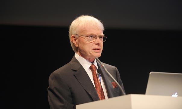 Prednáška prof. Thomasa Hughesa
