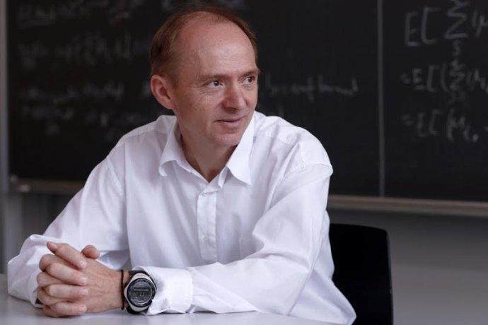 Video: prednáška J. Hromkoviča z ETH Zürich