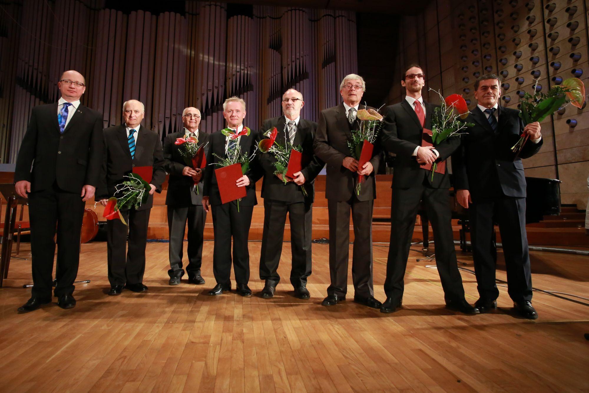 Ocenení vedci a profesori roka
