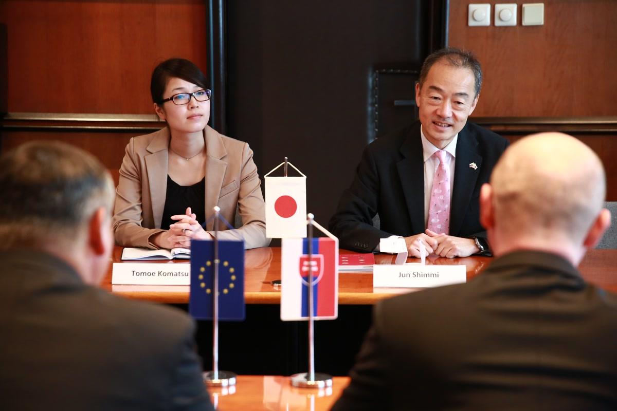Veľvyslanec Japonska na STU